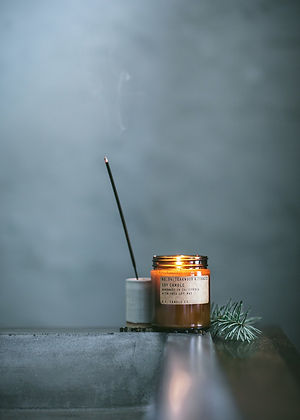 pf-candle-co-fragrance-collection-woods.