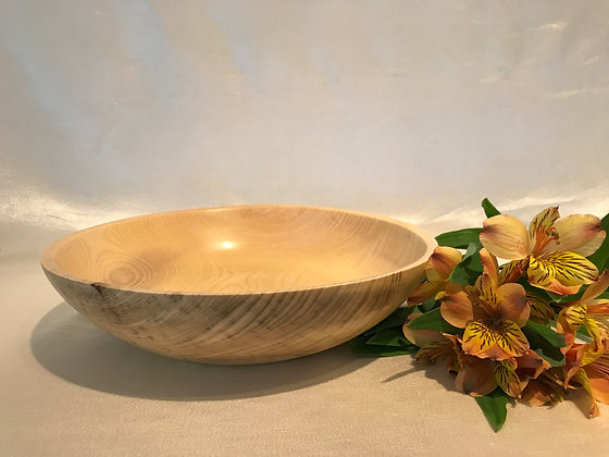 Bowl in soft maple