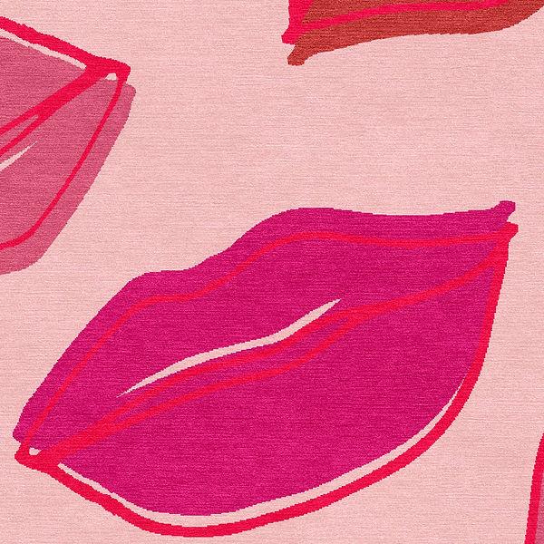 Lips Rug close up LR.jpg