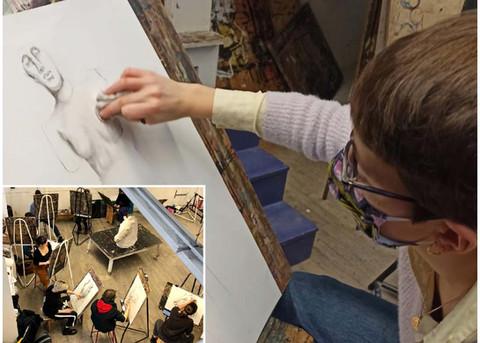 Exercice de dessin d'observation, portrait en pied à l'échelle 1, 3ème année.