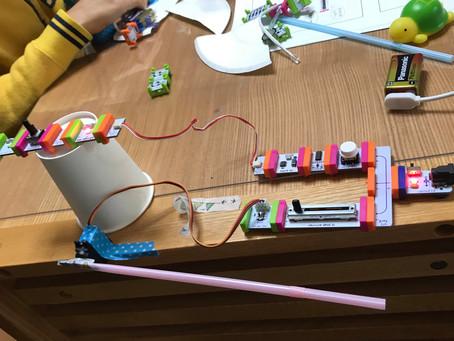 小学校のプログラミング&電子工作クラブに伺って、出張ワークショップを開催しました。