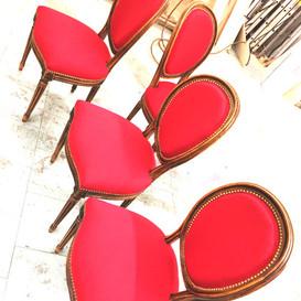 Réfection de sièges de styles et contemporains, canapés, banquettes ...