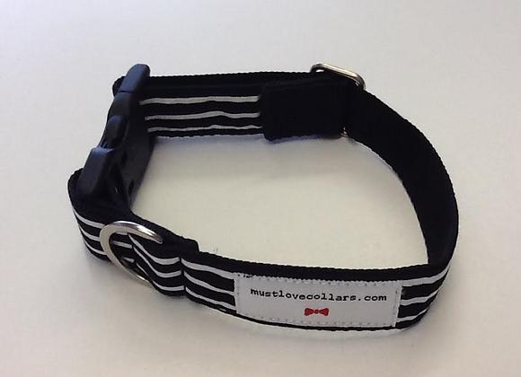 Black & White Stripe Collar