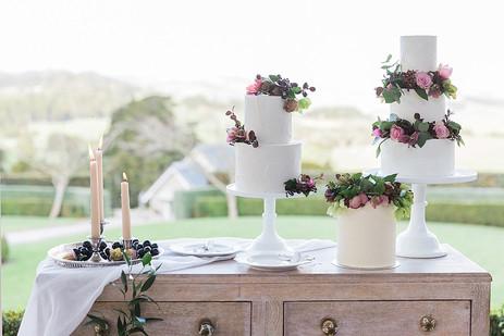 hedges_estate_auckland_wedding_cakes.jpg