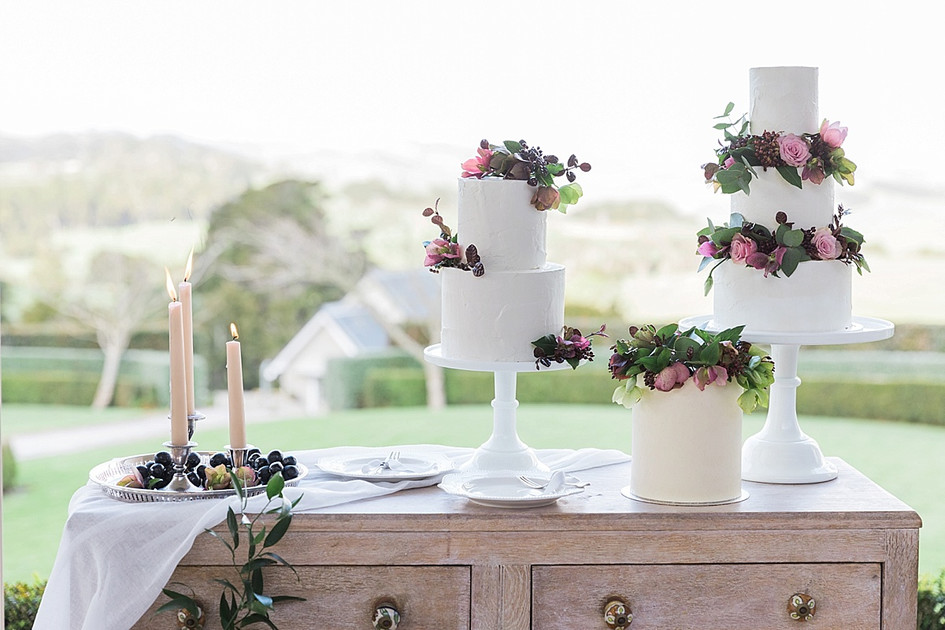 hedges_estate_auckland_wedding_cakes.jpg
