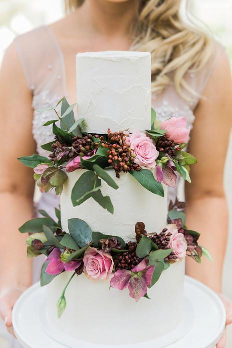 wedding_cake_flowers_auckland.jpg