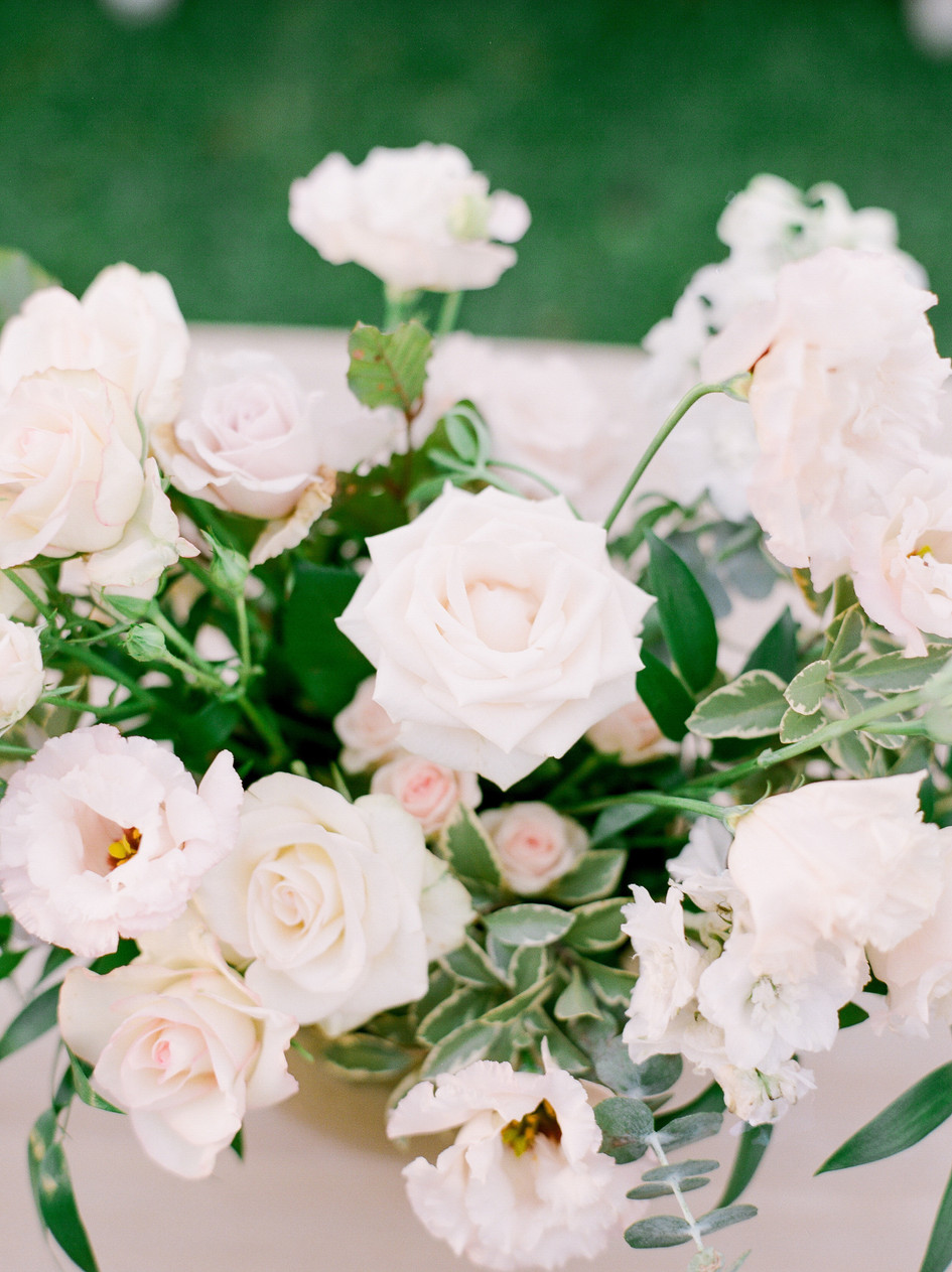 blush_wedding_flowers.jpg