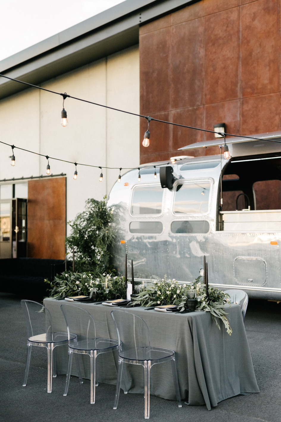 airstream_wedding_bar.jpg