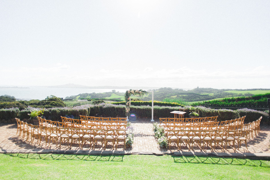 waiheke_mudbrick_wedding_stylist.jpg