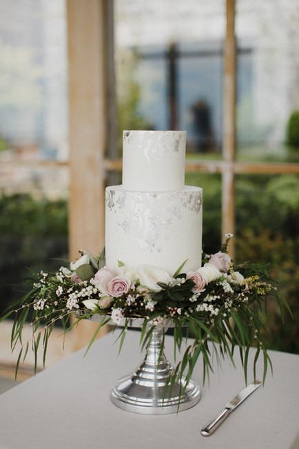 farm_cape_kidnappers_wedding_cake.jpg