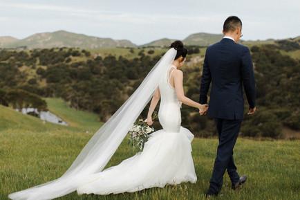 farm_cape_kidnappers_wedding_couple.jpg