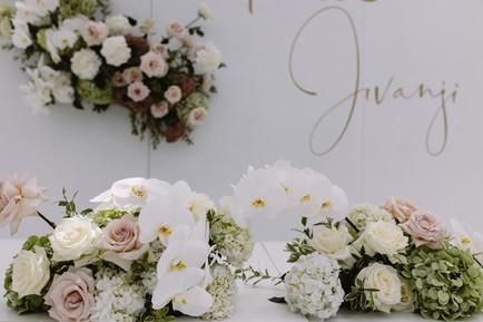 floral_wedding_styling.jpg
