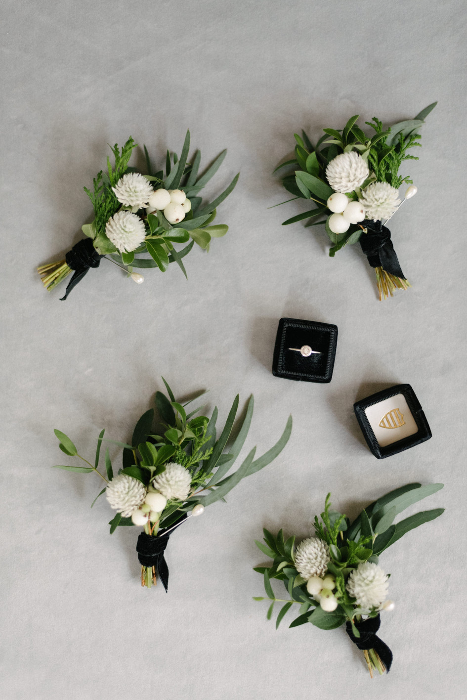 black_white_wedding_flowers_auckland.jpg