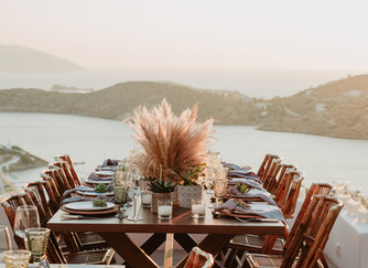 Cliffside micro wedding in Greece with an Ios Club sunset reception