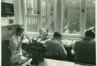 uhrmacherwerkstatt 1948.jpg