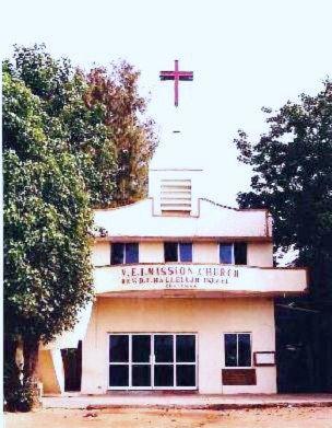 1_church.jpg