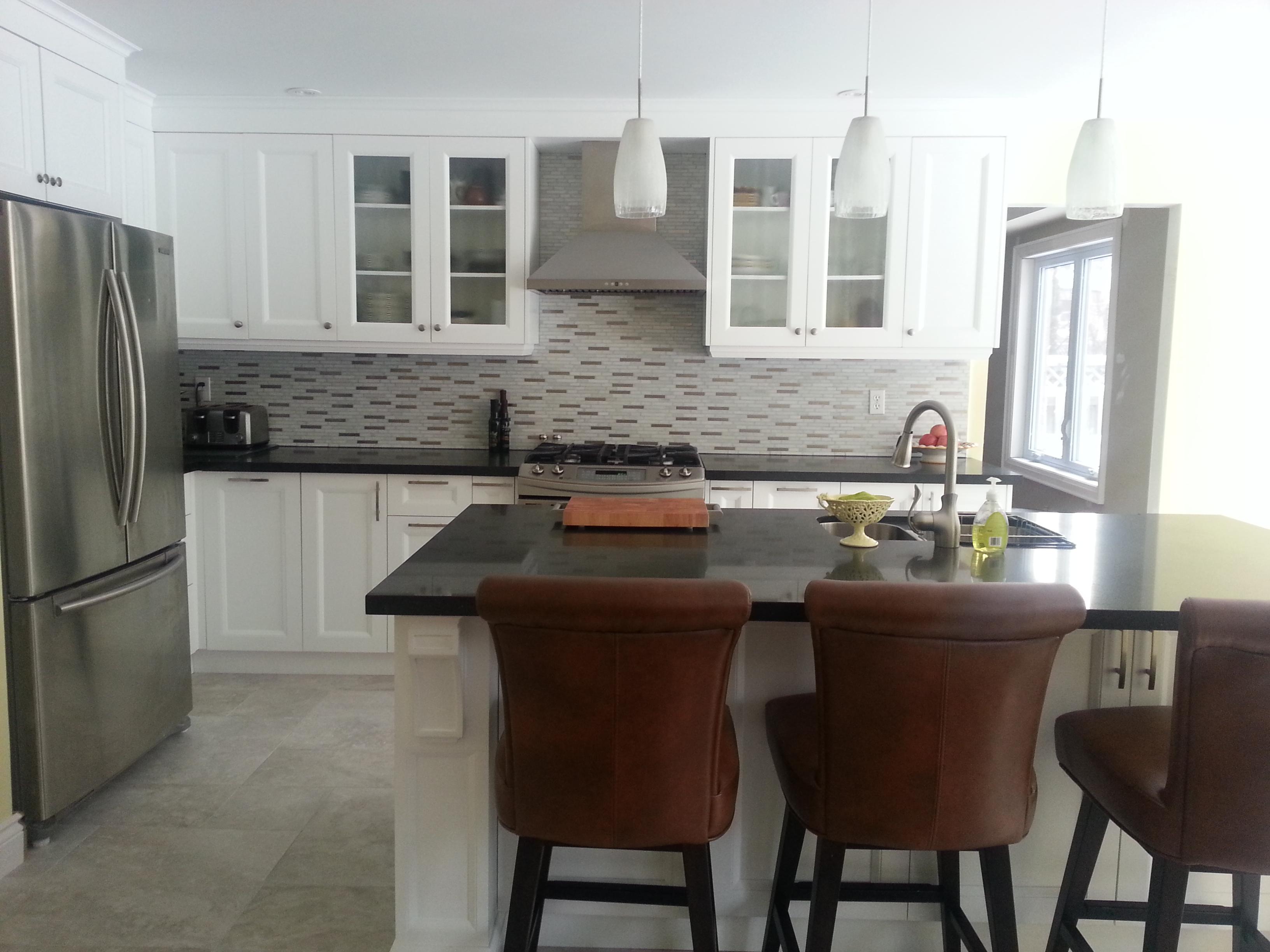 Aurora Kitchen 3