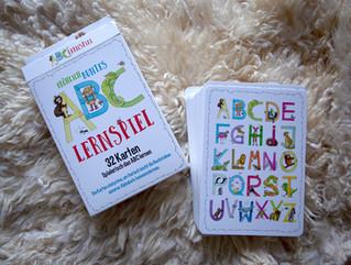 ABC Lernspiel mit Tieren 32 Karten Set um spielerisch das Alphabet zu lernen.