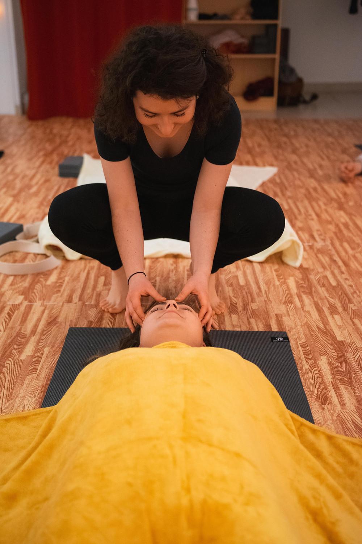 Shavasana, relaxation, méditation, massage, bien-être, yoga