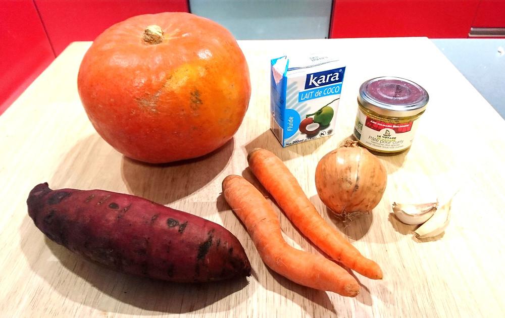 Ingrédients soupe potimarron patate douce carotte oignon lait de coco curry
