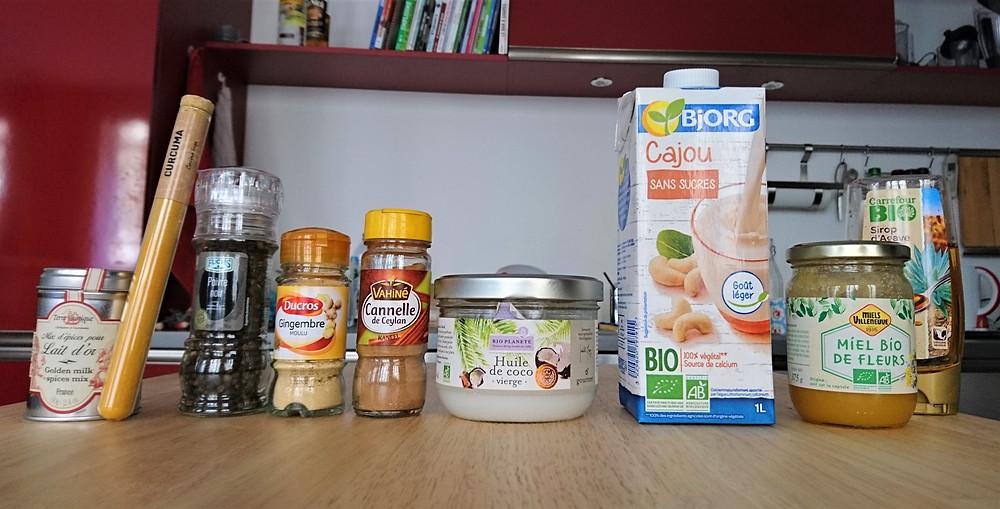 Ingrédients lait d'or curcuma gingembre cannelle poivre huile de coco lait