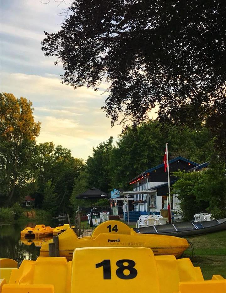 Hos oss kan du leje cykelbåde og kanoer