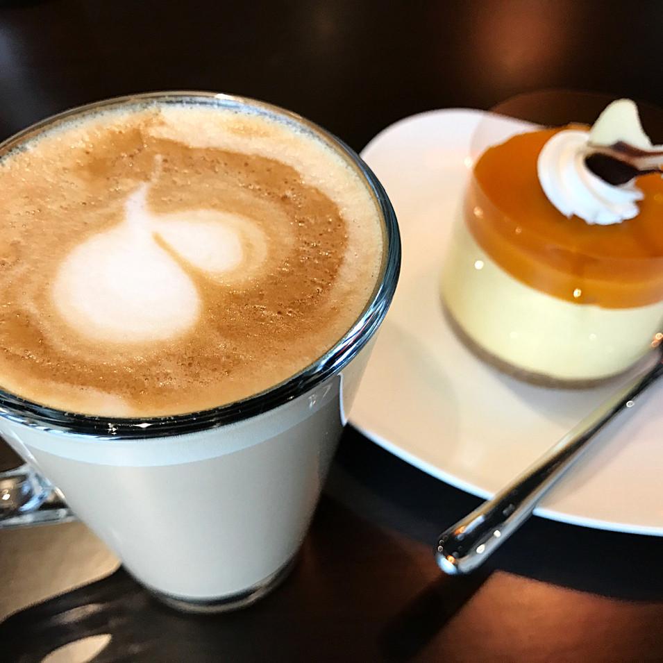 cafe latta & mango mousse cake