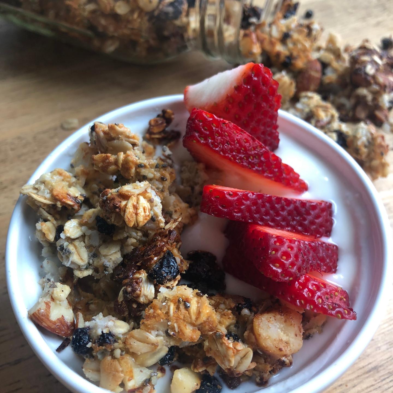 healthy granola easy breakfast