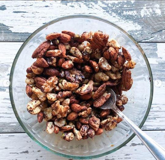 nut mix trail mix cocoa keto
