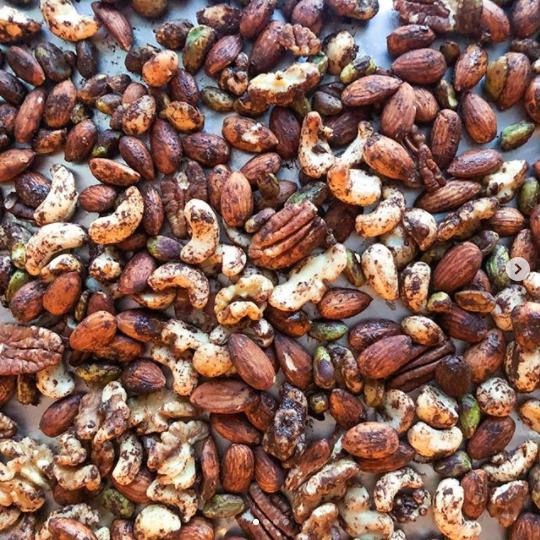 nut mix trail mix cocoa keto snack