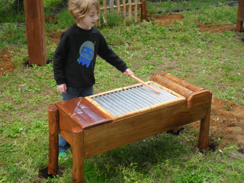 Washboard percusion instrument