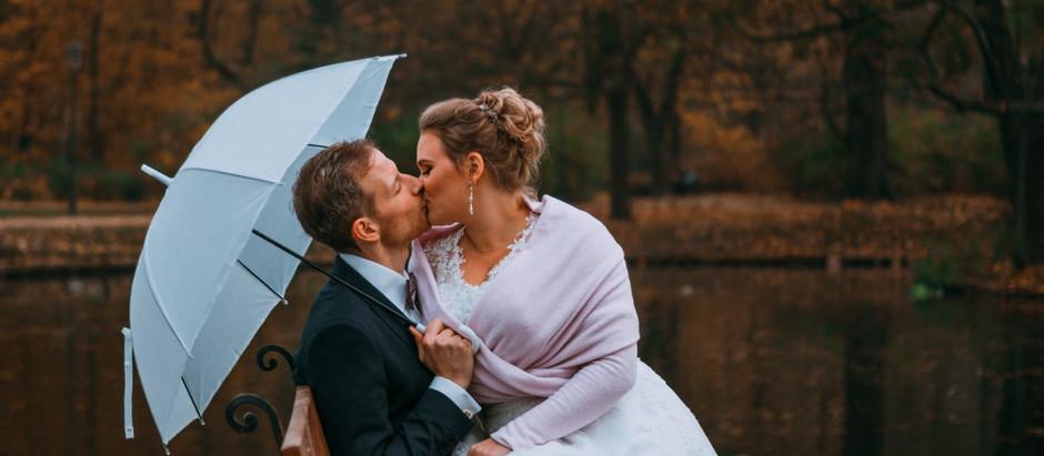 Poślubna sesja plenerowa w jesiennych barwach