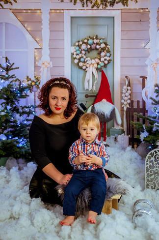 fotograf legionowo sesja rodzinna fotografia dziecięca sesje dziecięce fotograf na chrzest legionowo sesja wielkanocna sesja świąteczna plenerowa sesja rodzinna fotograf