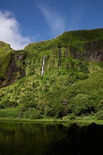 La beauté des paysages encore peu touchés par l'urbanisation a permis à Flores d'être classée Réserve de Biosphère par l'UNESCO en 2009.