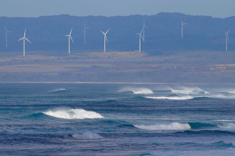 Kaena Point - North Shore. L'État d'Hawaï a été le premier des États-Unis à s'engager dans l'accord de Paris pour la limitation des émissions de gaz à effets de serre.