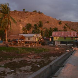 Le nouveau quartier du village. Le quartier des plus pauvres. C'est ici que nous vivrons pendant les 15 jours de mission.