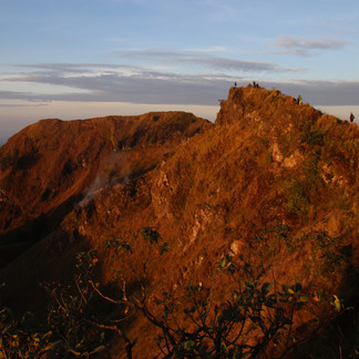 Les parois du cratère du Mont Batur.