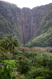 Hi'ilawe Waterfalls, à Waipi'o Valley.