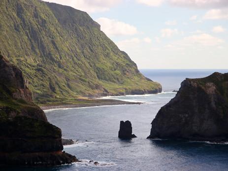 Une île au milieu de l'Atlantique