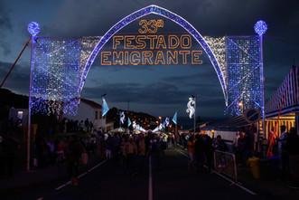 Pendant la saison estivale, chaque village a son week-end de fête. Ici à Lajes, pendant la fête de l'émigrant.