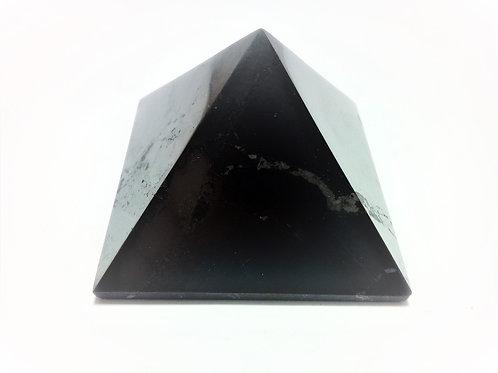 Pirámide Shungit