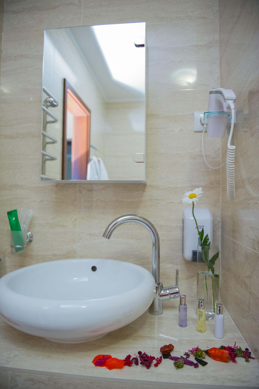 номер категории полулюкс ванная
