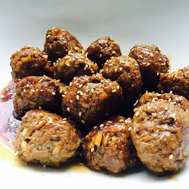 Sweet and Sour Meatballs with Lotus, usi