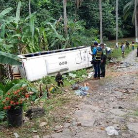 Un muerto por volcamiento de bus en Tarazá, Antioquia
