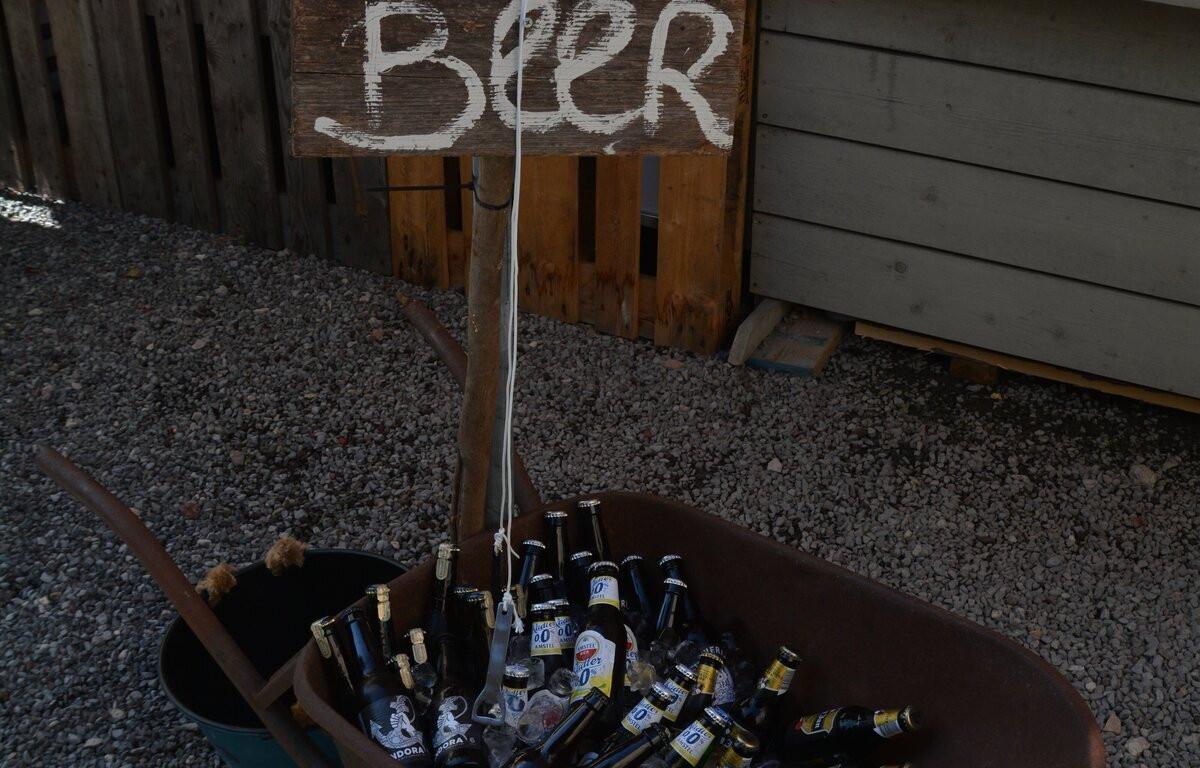 lekker biertje erbij uit de 'beer canoe'