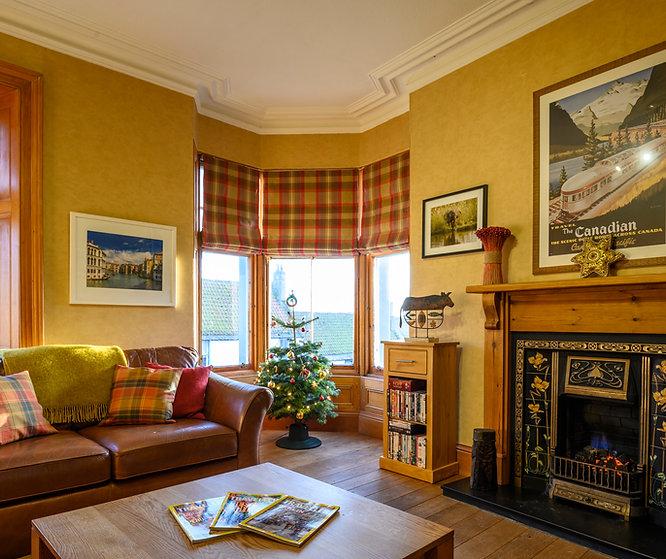 sitting room christmas-6.jpg