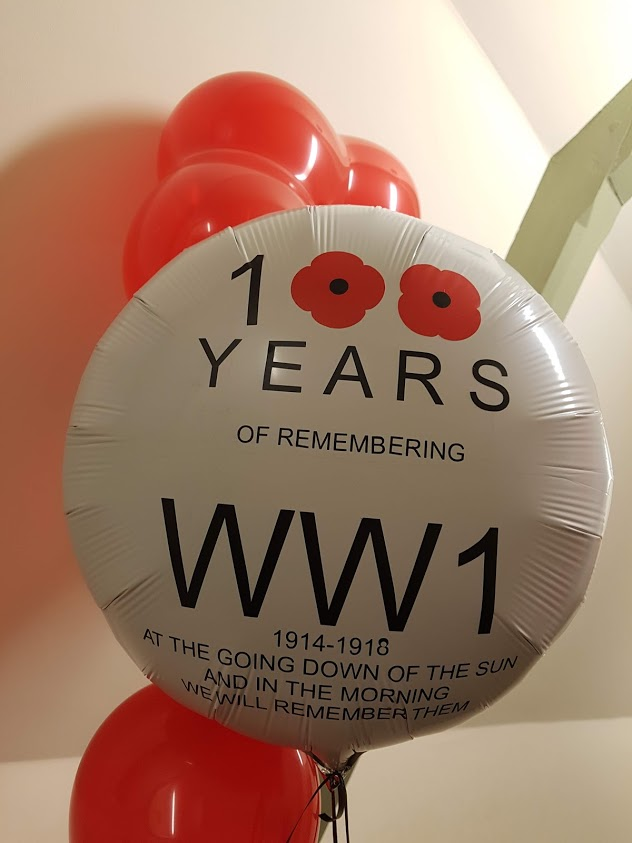 Poppy day vinyl balloon