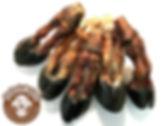 100% натуральный продукт. Копыто оленя вяленое без кости.  Вкусное, полезное, экологически чистое лакомство для собак. Очищает зубной камень, укрепляет зубы, десны, суставы, мышцы и нервы.  Цена указана за 1 шт.   Копыто является натуральным продуктом, который добывается в условиях крайнего севера и готовится без добавок и красителей, ни в чем не вымачиваются. Просто высушиваются в специальной печи и все больше ничего, кроме самого копыта.  Копыта оленя имеют уникальную особенность они не мерзнут в -40 при длительных переходах, за счет содержания в них особого жира. Поэтому, грызя его, собака получает удовольствие и питательные вещества для шерсти и иммунитета. Гипоаллергенный белок, высокое содержание хрящевой и соединительной ткани обеспечивает дополнительное поступление в организм составных элементов для роста, развития и поддержания в норме суставов Ваших любимцев.   Рекомендовано для собак средних и крупных пород с 1,5 - 2 месячного возраста.
