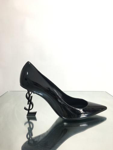 d85603e6c Brecho de luxo   Calçados Femininos   Brechó Hunter Boy