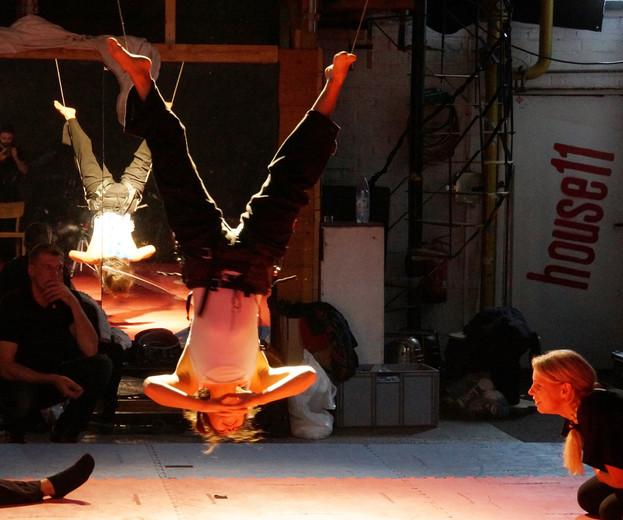 2014-10-20 05 Vertical-Flying-Dance-Thre